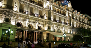 Hotel de Paris by night