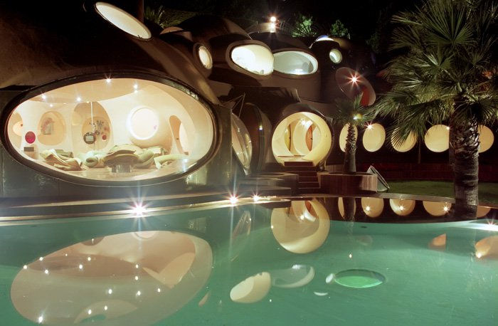 "Pierre Cardin's ""House of Bubbles"" in Theoule-sur-Mer"