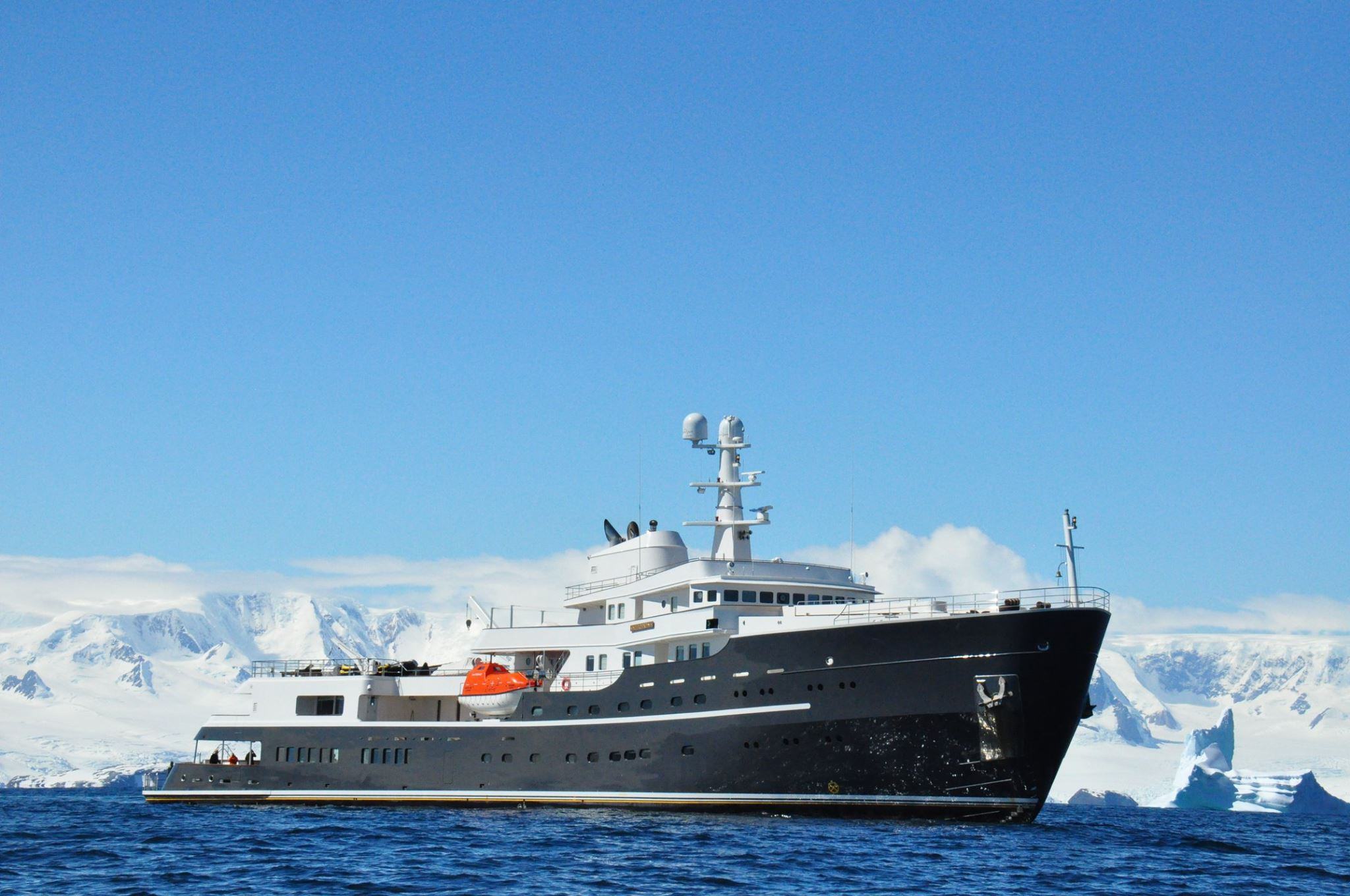 icebreaking explorer Legend