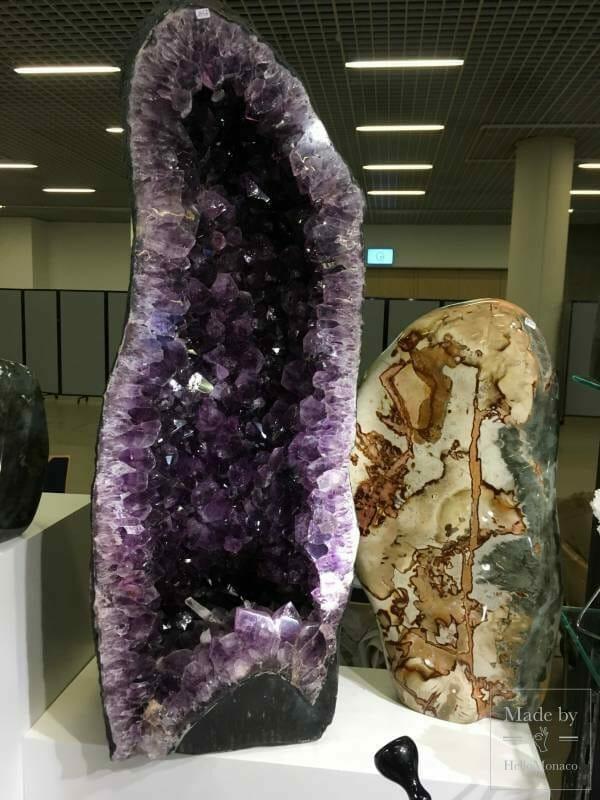 Выставка минералов в Mонако: драгоценные камни и метеориты