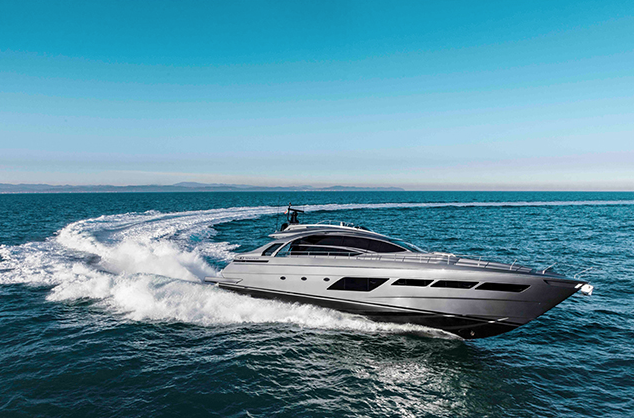 New Pershing 8X: The Carbon Fibre Revolution