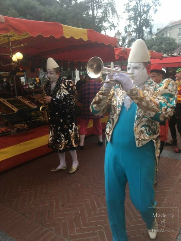 Clowning Around at the Marche de la Condamine