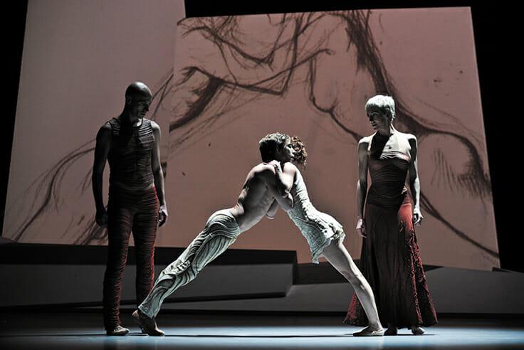 Ballets de Monte-Carlo perform in Paris