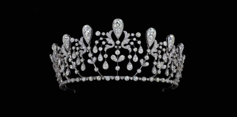 CHAUMET AND MAJESTY EXHIBITION