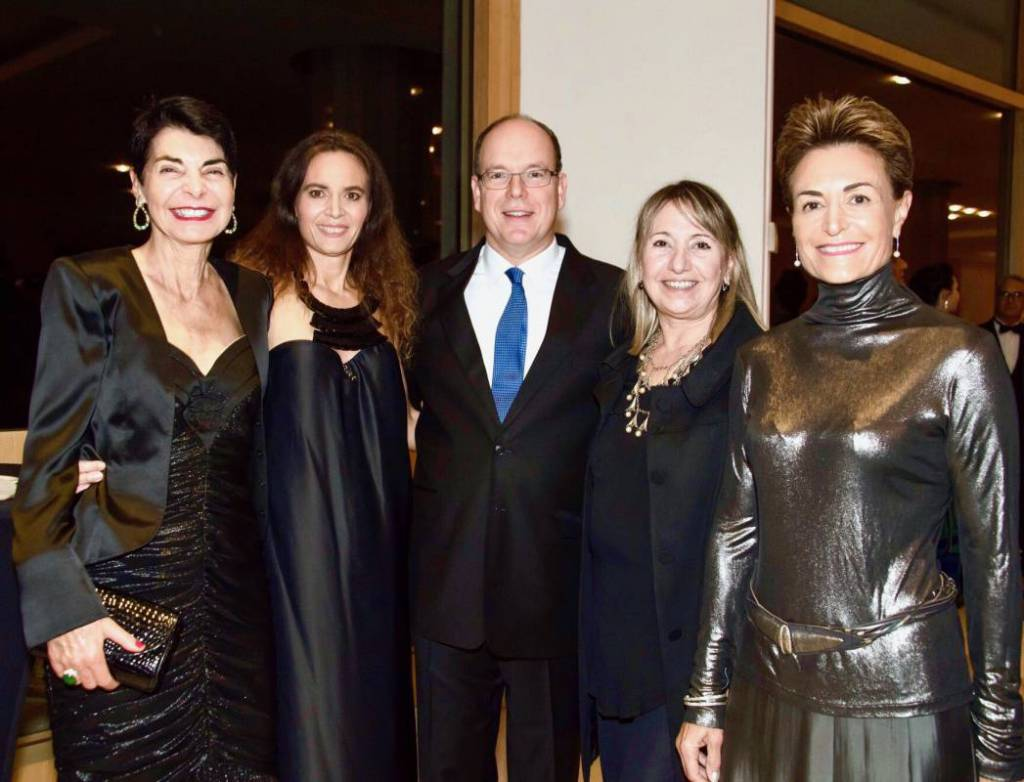 H.S.H. Prince Albert II surrounded by Elizabeth Wessel, Federica Nardoni Spinetta, Rosanna Trinchese and Celina Lafuentede Lavotha @Monaco Tourism Office