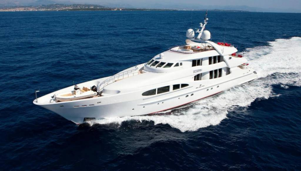 48m Heesen superyacht Blue Magic rams into a sailboat in Italy