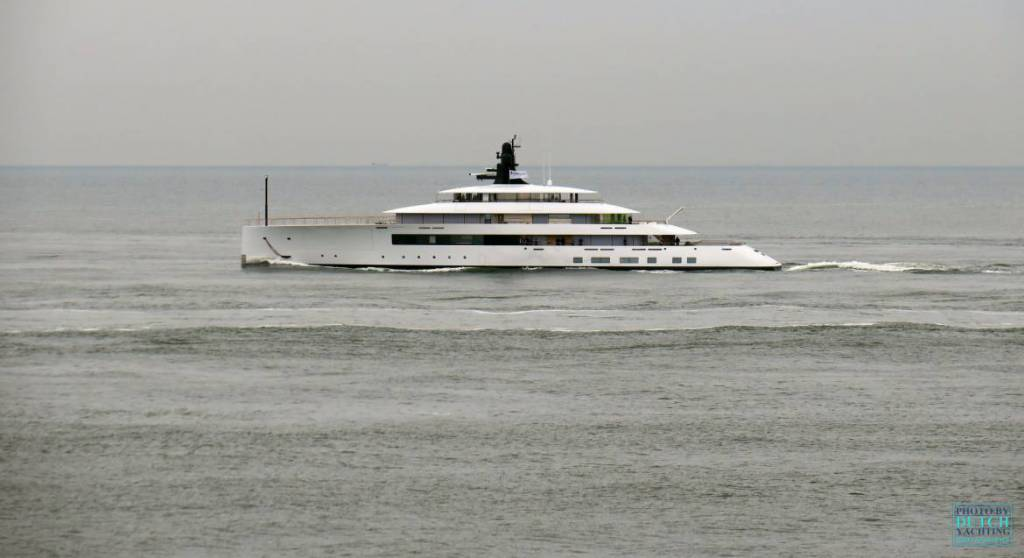 77m Feadship superyacht Syzygy 818 on sea trials