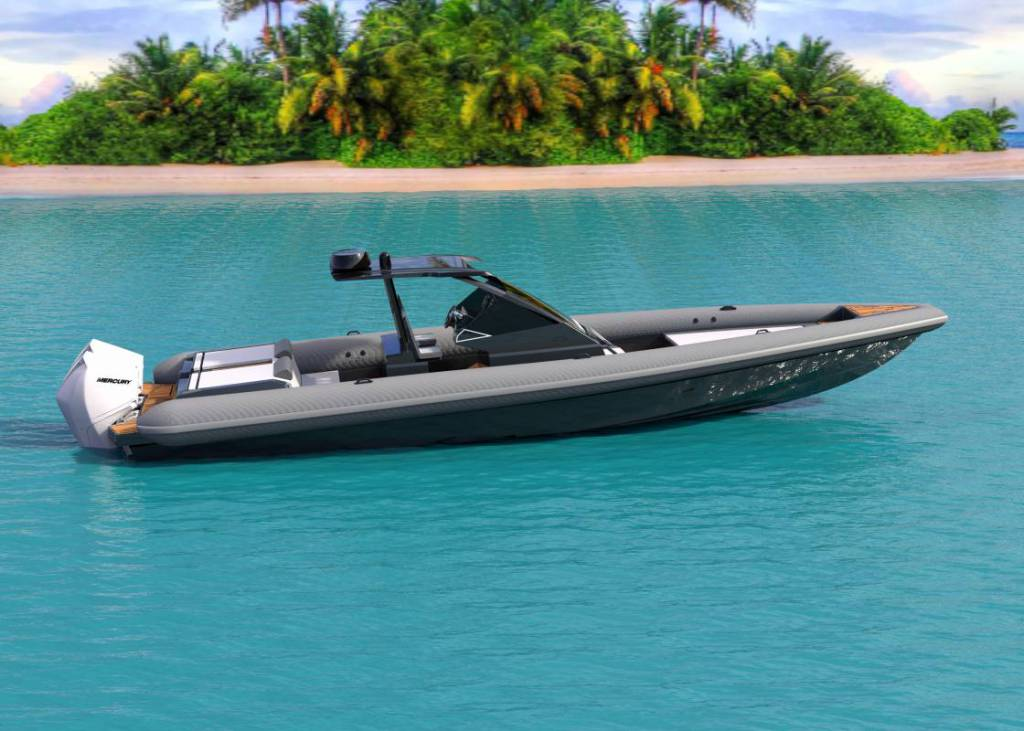 Superfast 103-knot tender 38 Grand Sport presented by Technohull
