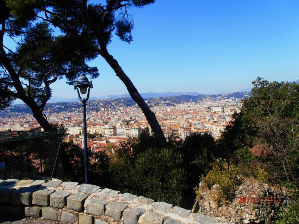 Nice - a guide to almost non-touristic paths