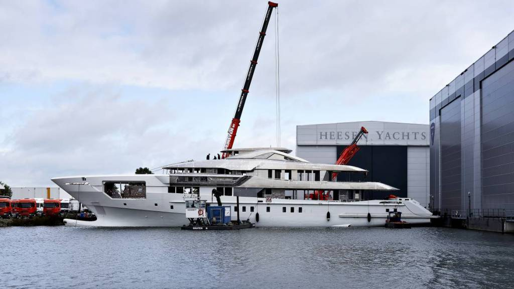 Construction progress on 60m Heesen steel Project Falcon