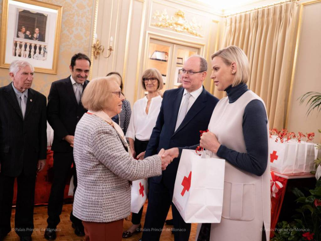 Princely Couple gives out Gifts for Red Cross