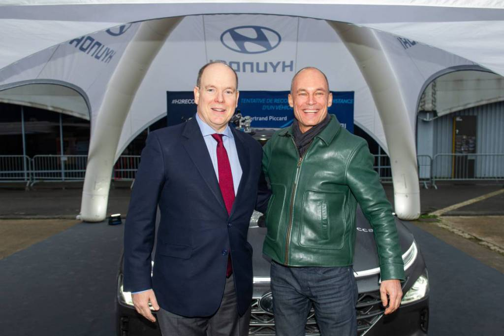 Prince Albert and Bertrand Piccard attempt World Record in Hydrogen Car