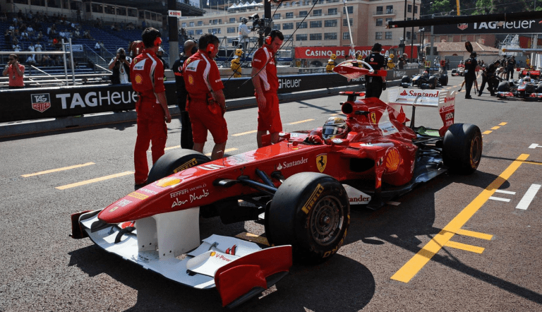 Pit stop of Ferrari- last preparation before the race