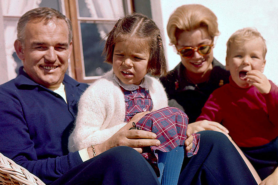 Rainier III with Princess Grace and their children, 1962