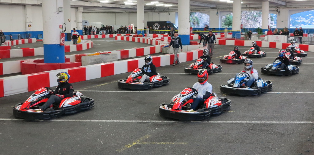 new track of indoor karting monaco check it out. Black Bedroom Furniture Sets. Home Design Ideas