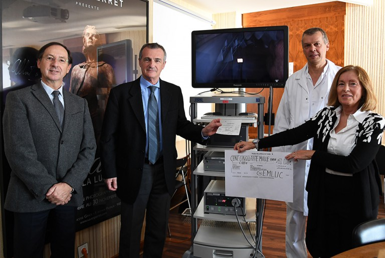 Photo of The GEMLUC donates a 3D surgery endoscope to the CHPG