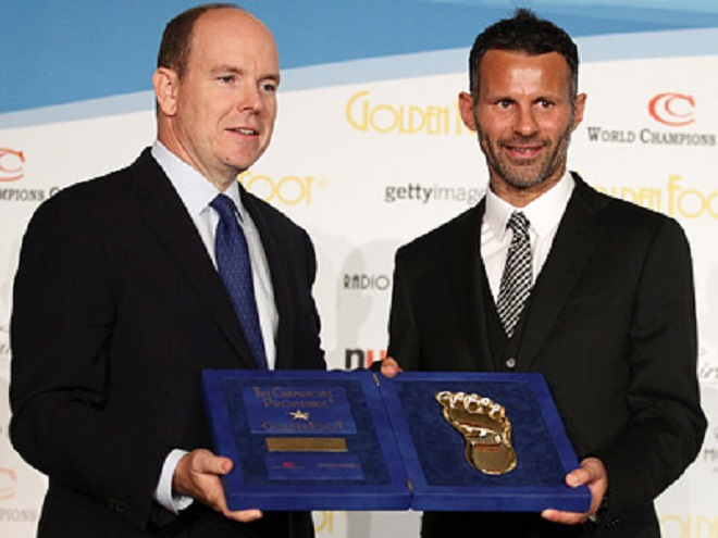 Prince of Monaco Albert II presenting the award to Ryan Giggs