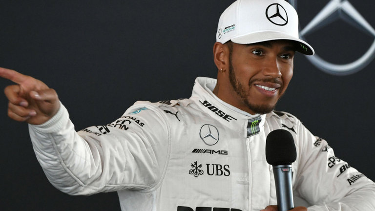 Photo of Lewis Hamilton welcomes idea for new F1 weekend format
