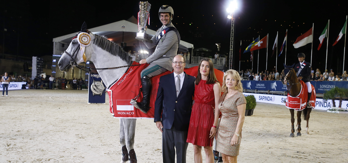 HSH Prince Albert with Charlotte Casiraghi and Dianne Fissore presents the Trophy to Emanuele Gaudiano on Caspar