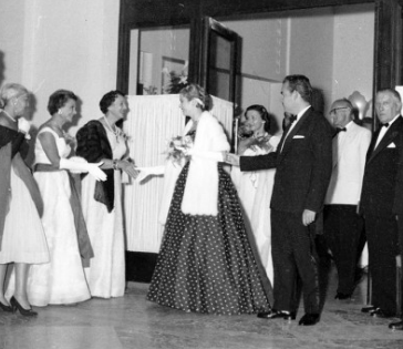 1957 - Monaco Red Cross Gala: HSH Rainier III & Princess Grace © Courtesy of Monte-Carlo SBM