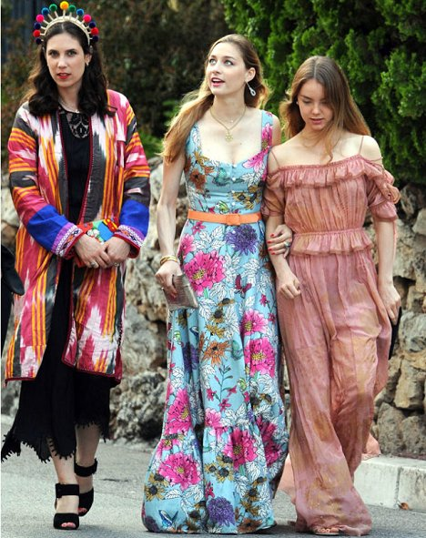 Beatrice Borromeo, Tatiana and Alexandra at MC Fashion Week