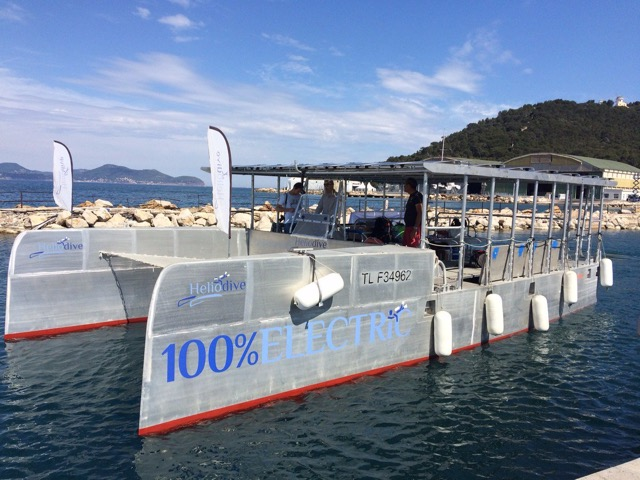 Photo of Completely solar catamaran wows divers