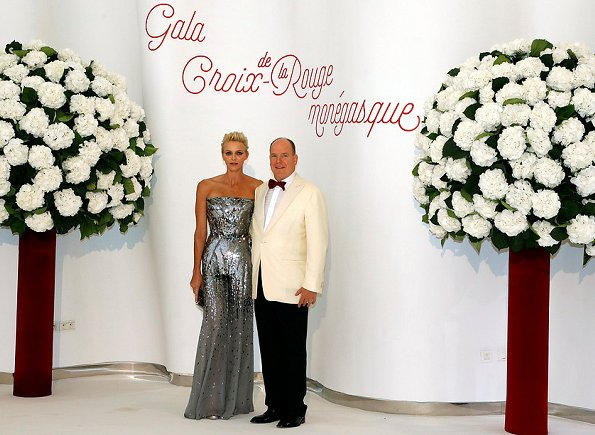 Photo of Top 8 Monaco Princely News: Monaco Red Cross Gala and Prince Albert II is proud of little swimmers Jacques and Gabriella