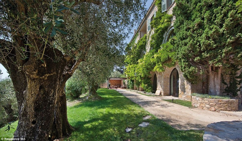 Photo of Look inside Picasso's dream property in Mougins, up for auction this autumn