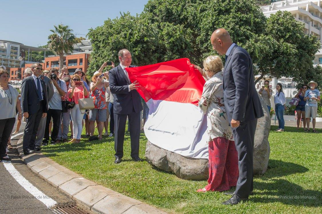 Prince Albert II uncovers a new monument dedicated to his great-grandfather, Prince Albert-I.