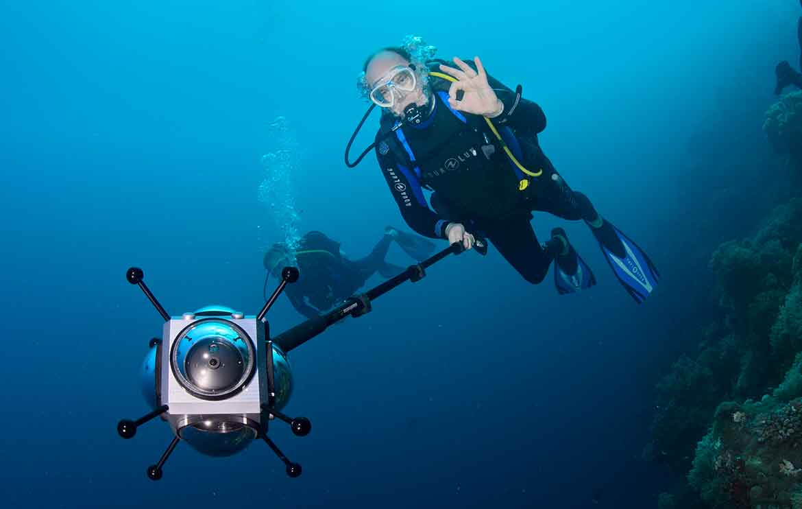 Prince Albert II scuba diving