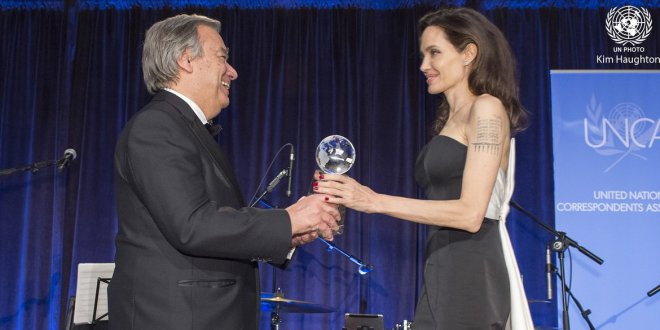 Actress Angelina Jolie, Special Envoy of the United Nations High Commissioner for Refugees, received the 'Global Citizen of the Year' award.