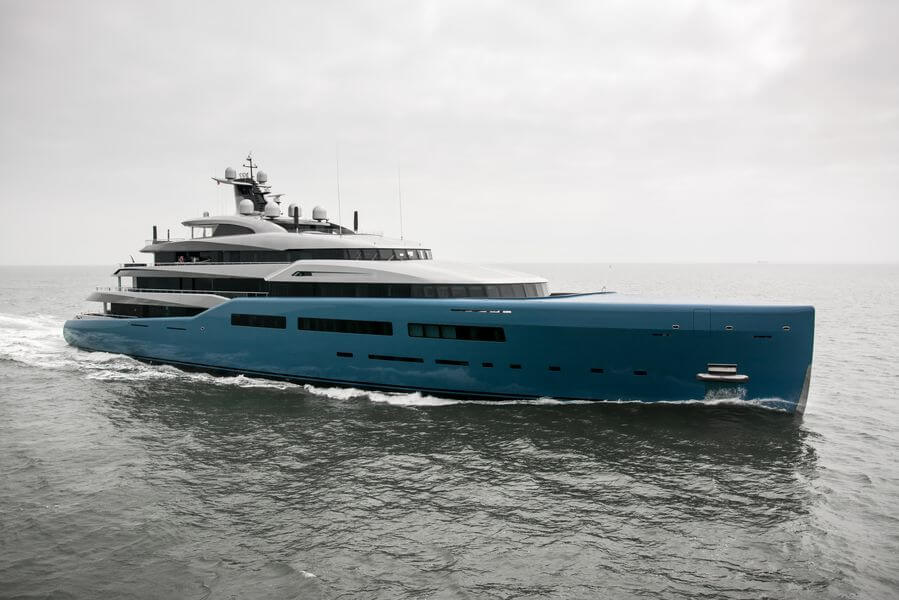 Photo of First superyacht to have an indoor tennis court and other yacht news