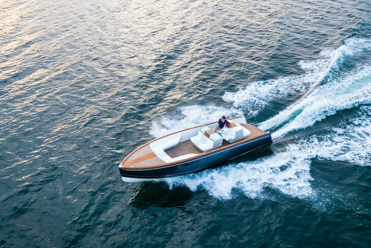 The Hinckley Dasher is a 8,5-metre (28-foot) fully electric boat with a sleek, stylish and minimalistic exterior and cutting-edge technology. She was designed by Michael Peters and its innovation is that her hardware is created by using 3D-printing technology, which minimized boat tonnage to only 2,9 tons.