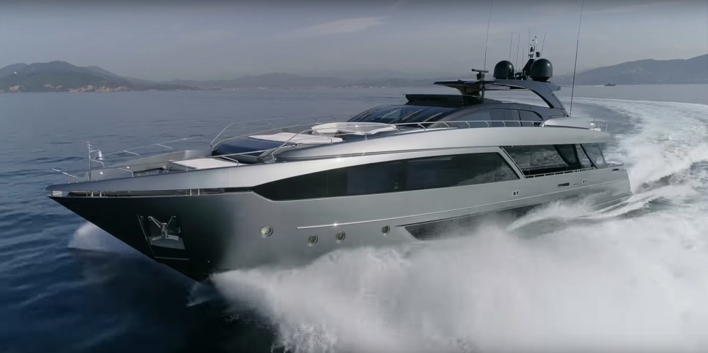 33-metre 110' Dolcevita by Riva Yachts and other yacht news