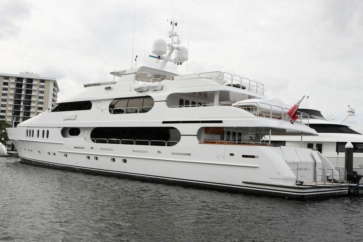 47-metre yacht Privacy