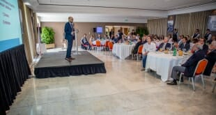 Lionel Galfré with 80 entrepreneurs from the Principality