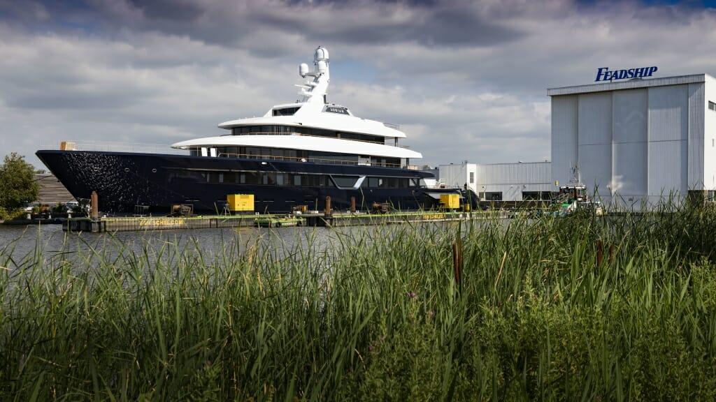 87-metre superyacht Lonian