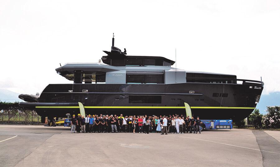 31-metre superyacht RJ