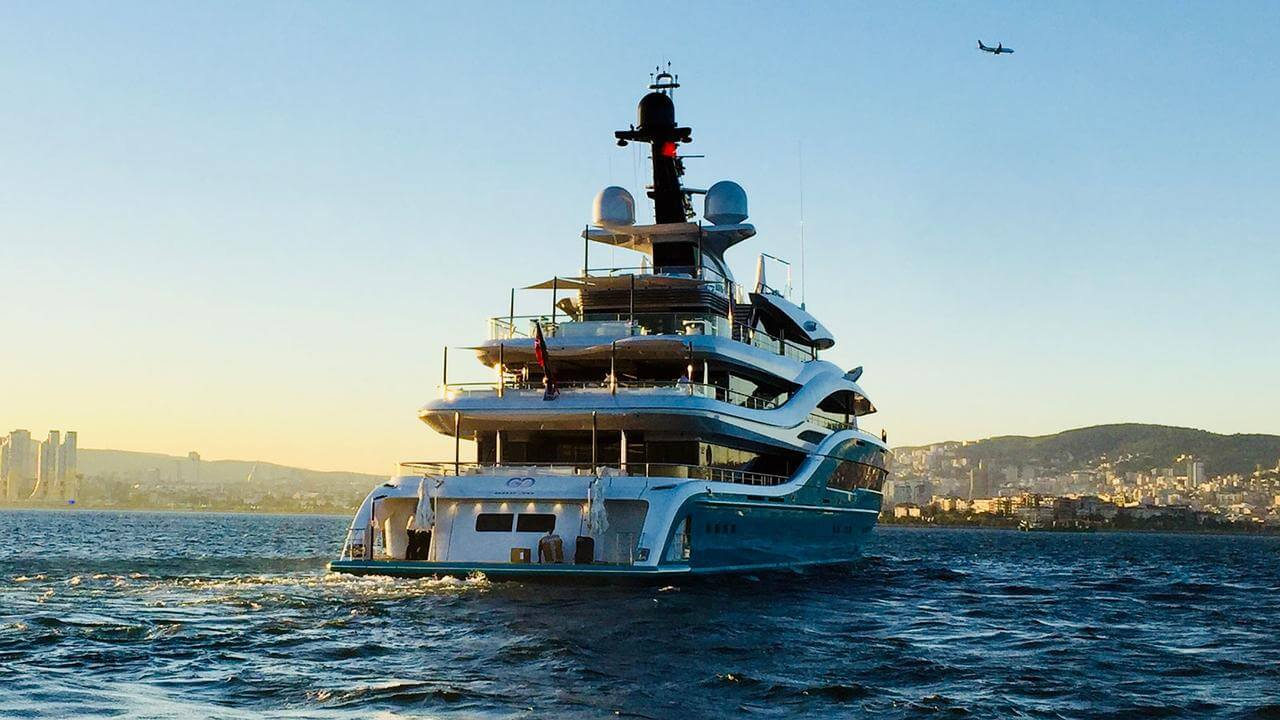Go superyacht