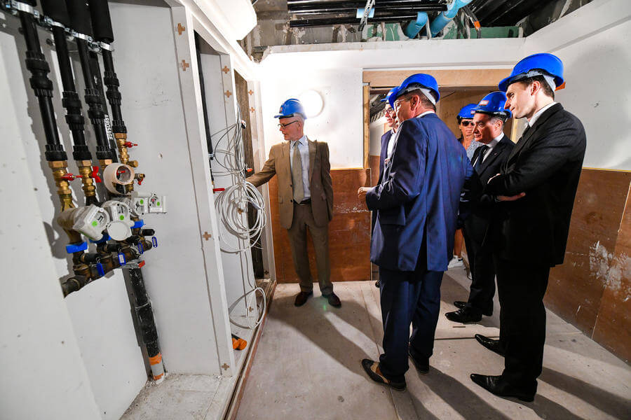 Photo of Minister of State visits Jardins d'Apolline Renovations