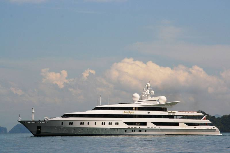95-meter superyacht Indian Empress