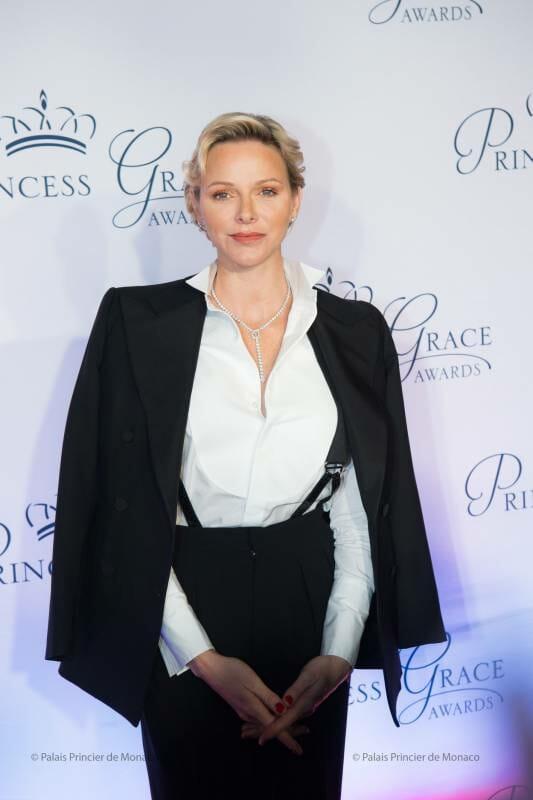Princess Charlene awards Tim Daly at Princess Grace Gala