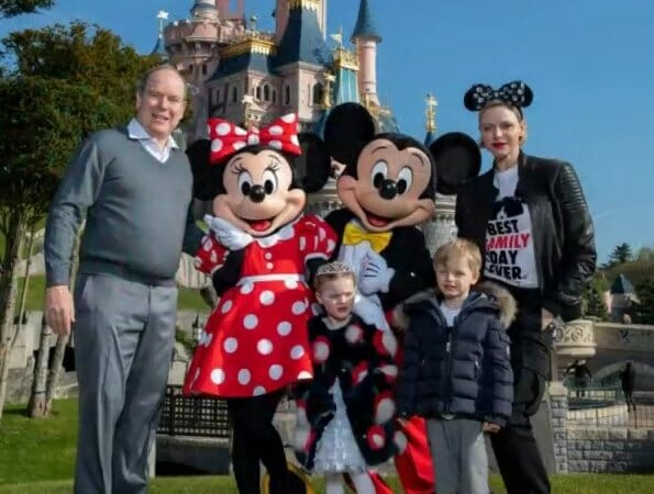 Photo of Prince Jacques and Princess Gabriella in Paris Disneyland and other princely news