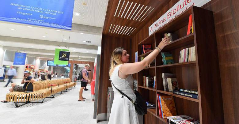 New book exchange library at Monaco station