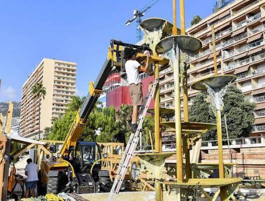 Dismantling the Guy Lartigue Fountain in Larvotto