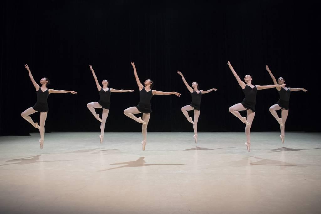 Les Imprévus (1) by the Ballets de Monte-Carlo Company