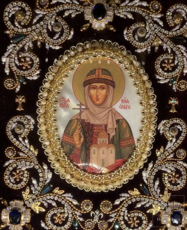 """Iconic"" and Unique Bejewelled Embroidery of Byzantine Origin"
