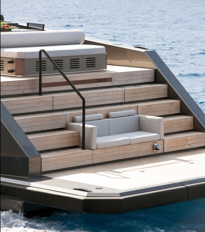 New 40-knots Mazu 82 superyacht