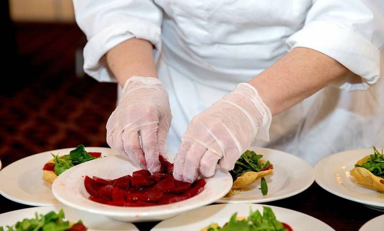 Flood Victims receive Gourmet Meals from Renowned Chefs